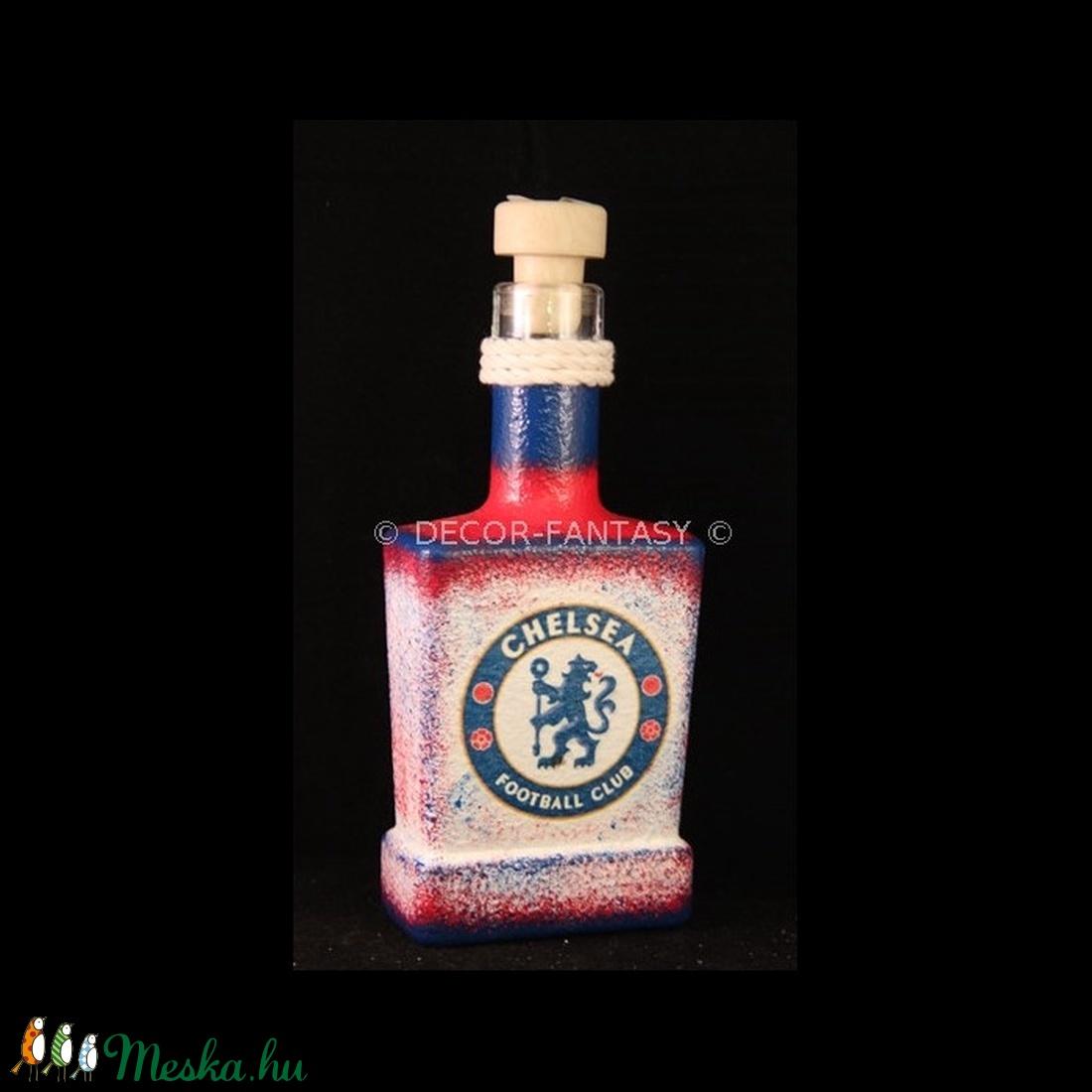 Chelsea FC emblémával díszített italos üveg ( 0,2 l )  (decorfantasy) - Meska.hu
