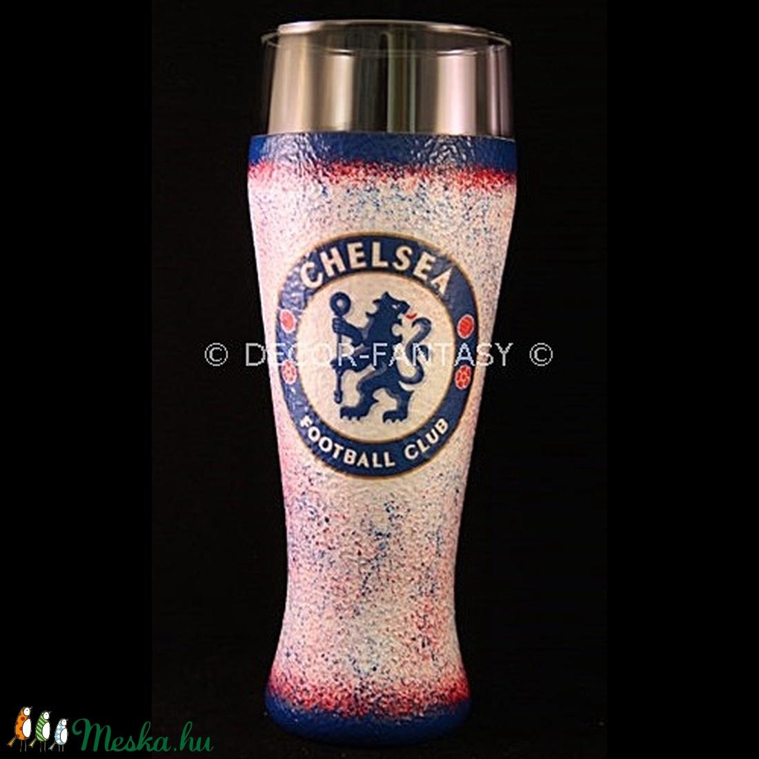 Chelsea FC emblémával díszített sörös pohár ( 0,5 l )  (decorfantasy) - Meska.hu