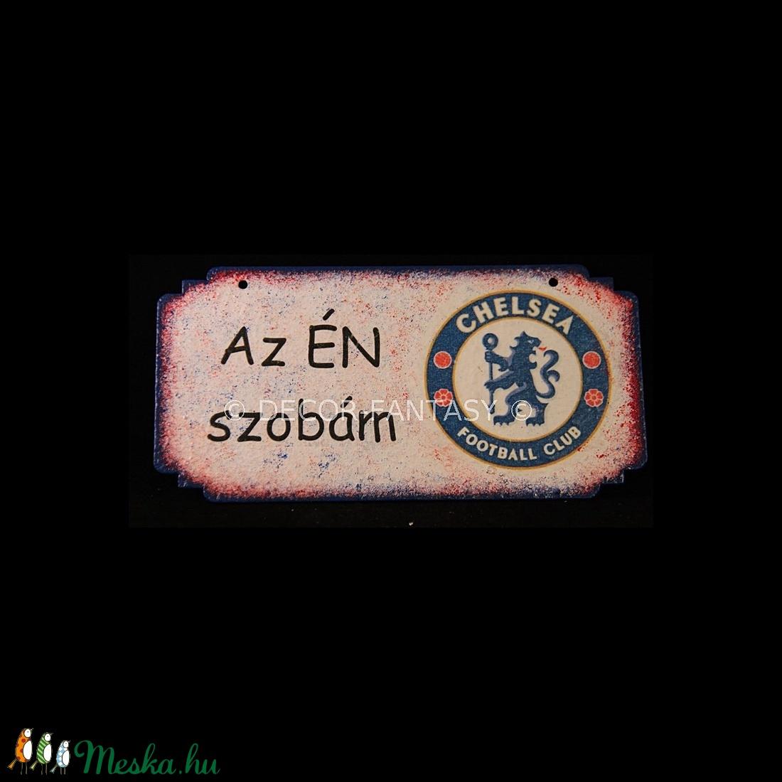Chelsea FC emblémával díszített AZ ÉN SZOBÁM tábla  (decorfantasy) - Meska.hu