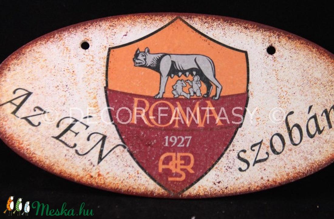 AS ROMA  emblémával díszített az ÉN SZOBÁM ajtódísz ; As Roma drukkereknek (decorfantasy) - Meska.hu