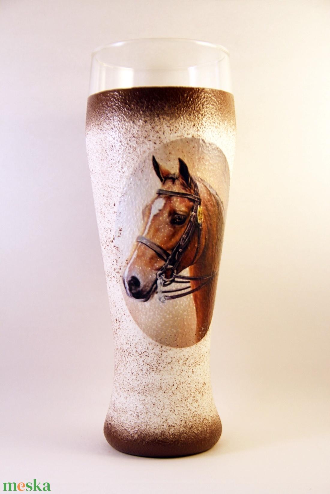 Ló motívummal díszített  sörös pohár / 2. - ( 0,5 L )   - Meska.hu