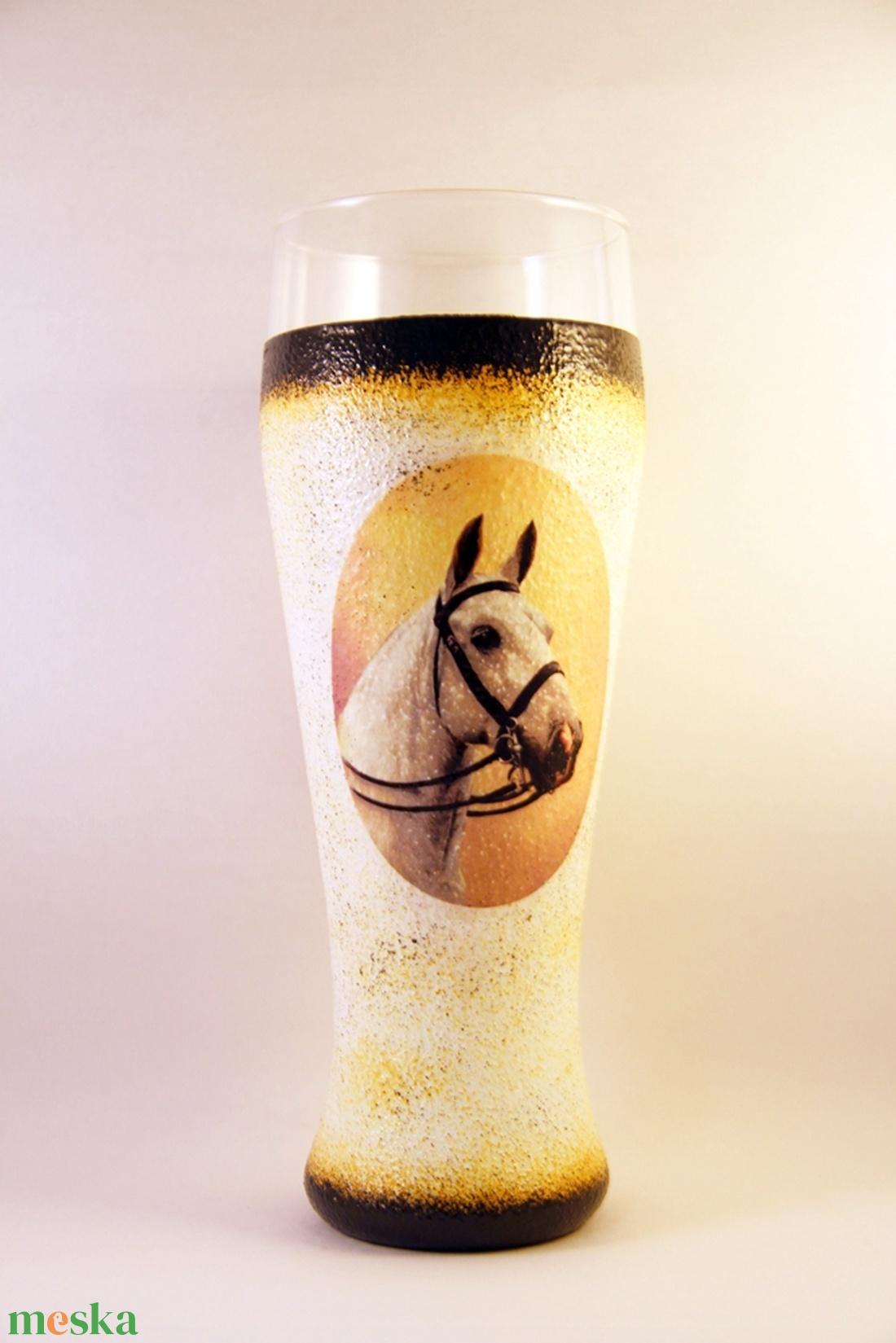 Ló motívummal díszített  sörös pohár / 3. - ( 0,5 L )   (decorfantasy) - Meska.hu