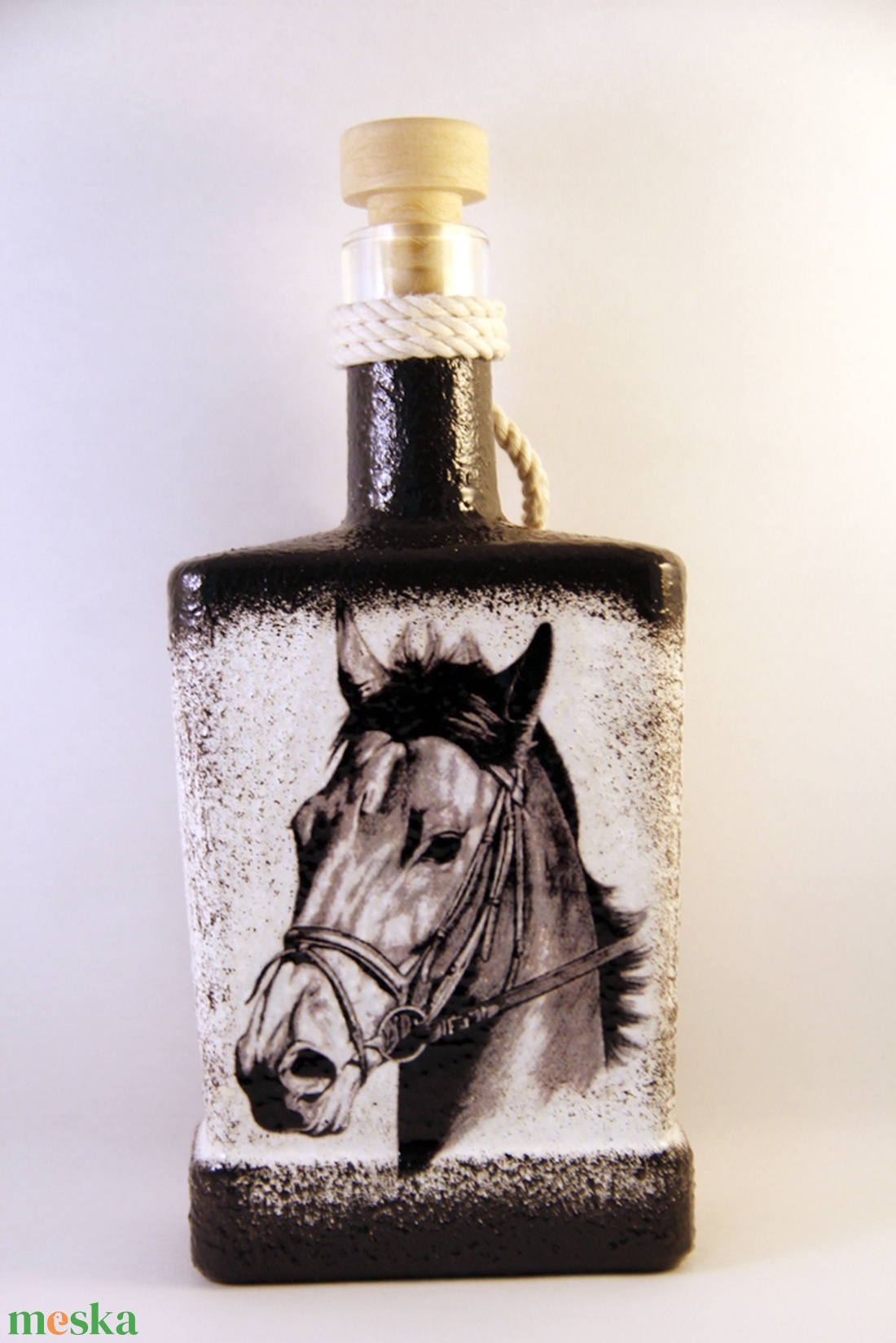 Ló motívummal díszített dugós  pálinkás üveg ( 0,5 l )  - Meska.hu