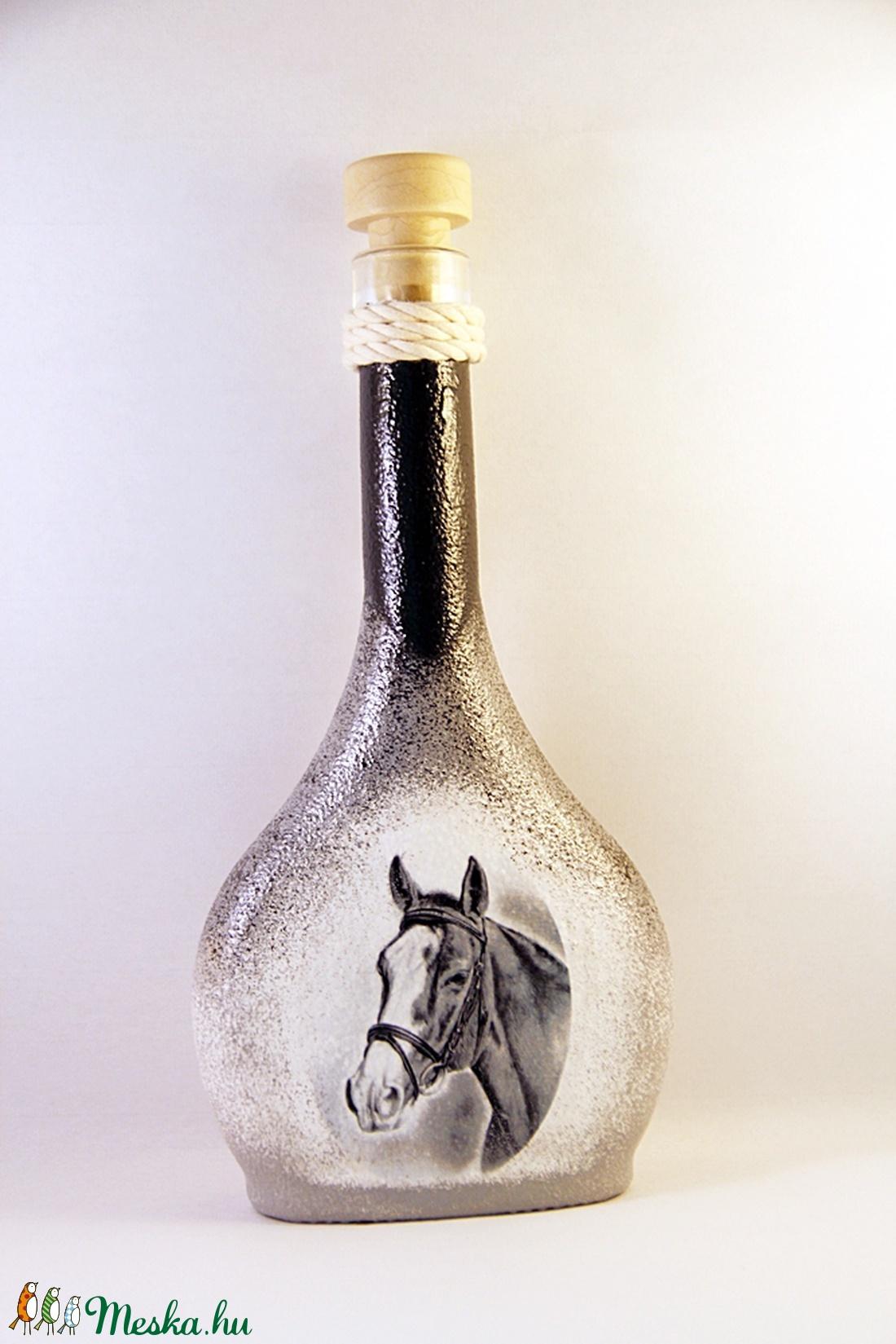 Ló motívummal díszített dugós  pálinkás üveg ( 0,2 l )  - Meska.hu