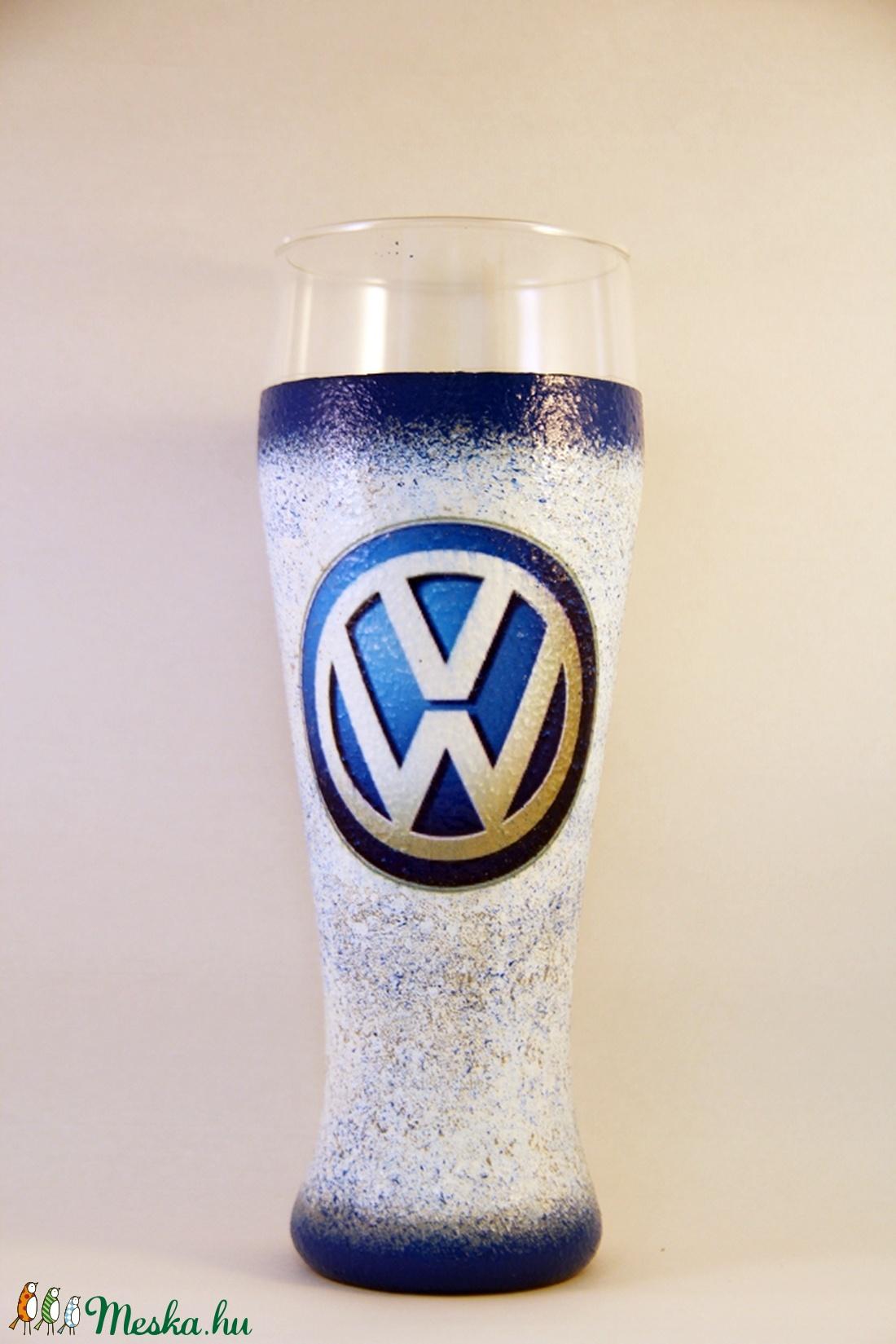 VOLKSWAGEN emblémával díszített sörös pohár ( 0,5 l )  (decorfantasy) - Meska.hu