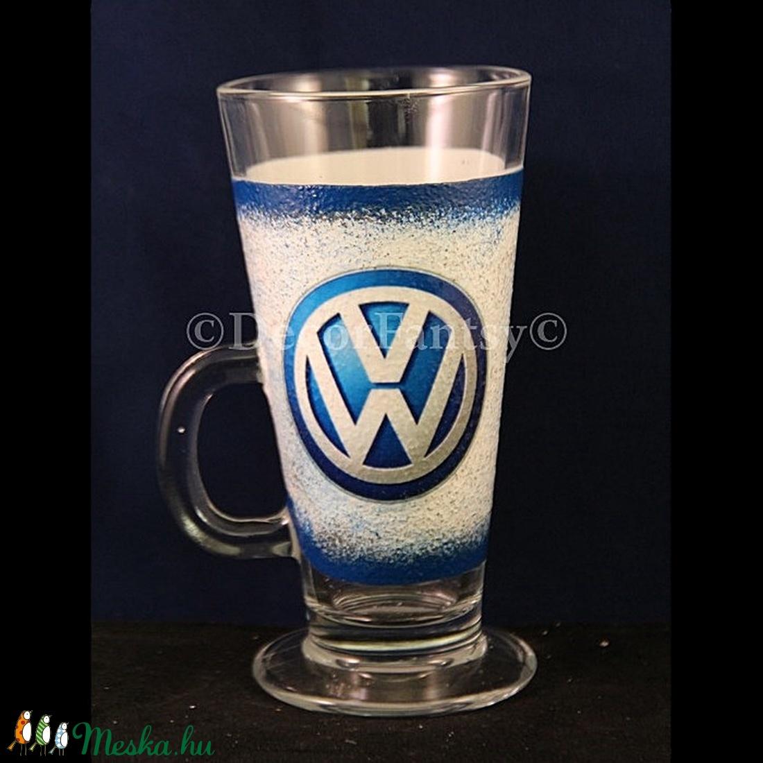 VOLKSWAGEN emblémával díszített Latte-s pohár ( 260 ml ) (decorfantasy) - Meska.hu