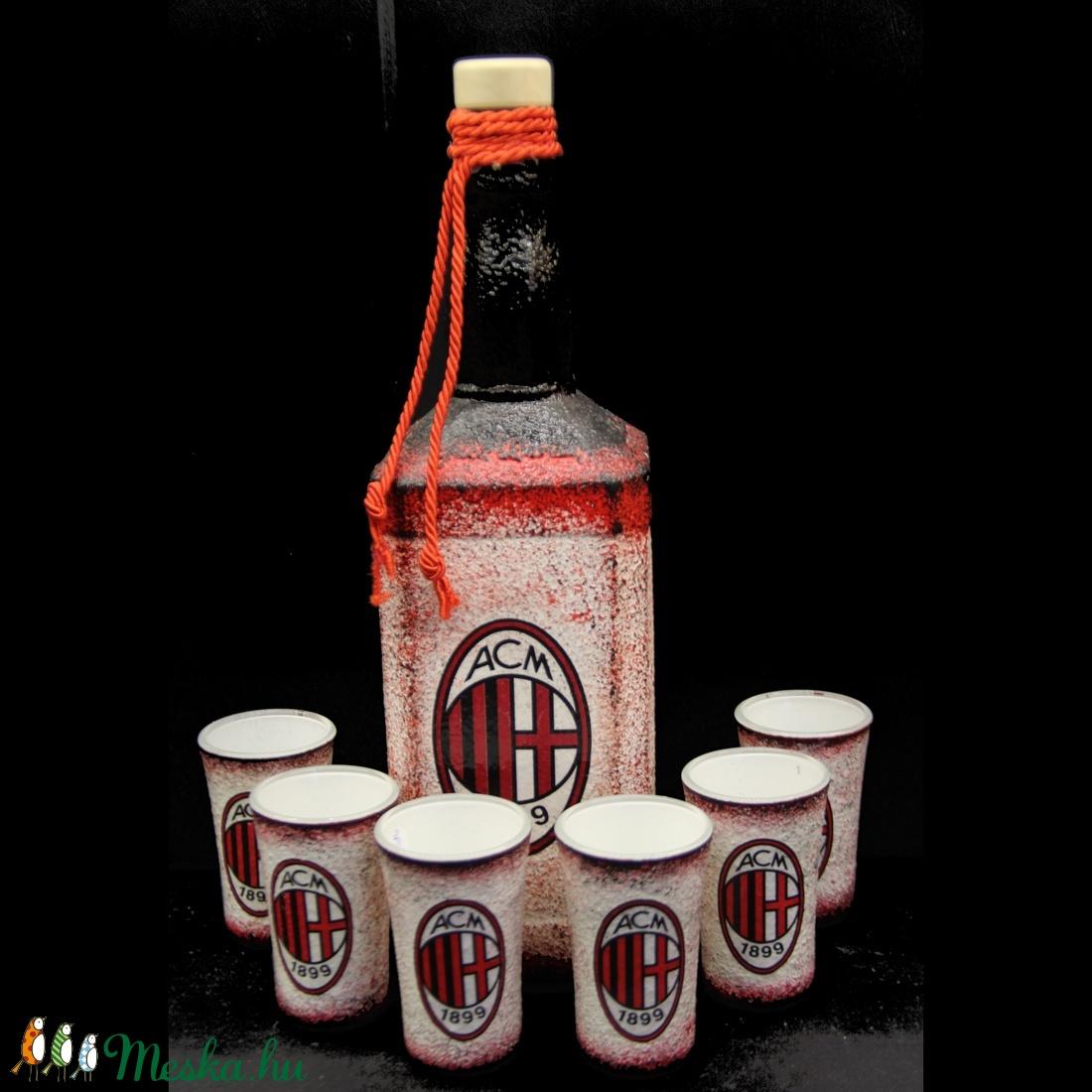 AC MILAN  emblémával díszített pohár szett ( 0,75 l üveg + 6x45 ml pohár)  )   (decorfantasy) - Meska.hu