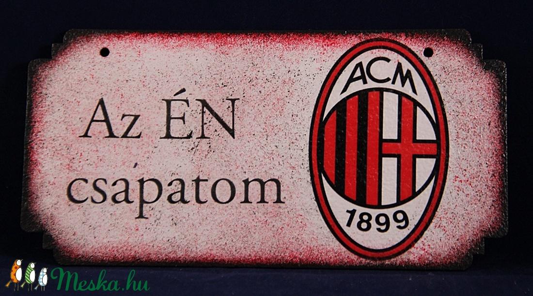 AC MILAN  emblémával díszített ajtó tábla-ÉN CSAPATOM (decorfantasy) - Meska.hu
