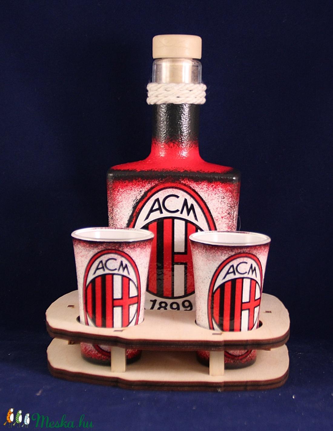 AC MILAN  emblémával díszített kis pálinkás szett - II ( 0,2 l üveg + 2x45ml pohár + tartó )  (decorfantasy) - Meska.hu