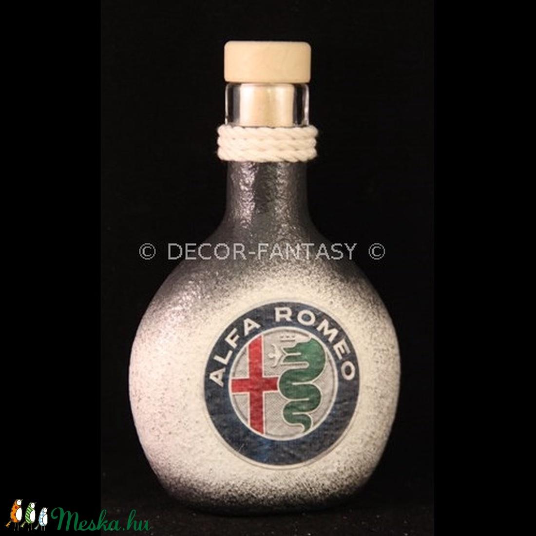 ALFA-ROMEO  emblémával díszített pálinkás butykos ( 0,2 l )  (decorfantasy) - Meska.hu
