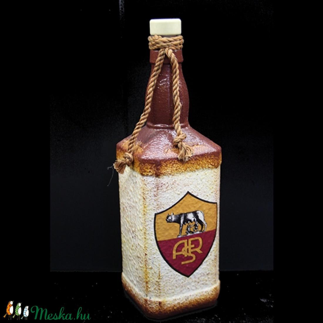 AS ROMA  emblémával díszített  pálinkás üveg ( 0,75 l üveg )  (decorfantasy) - Meska.hu