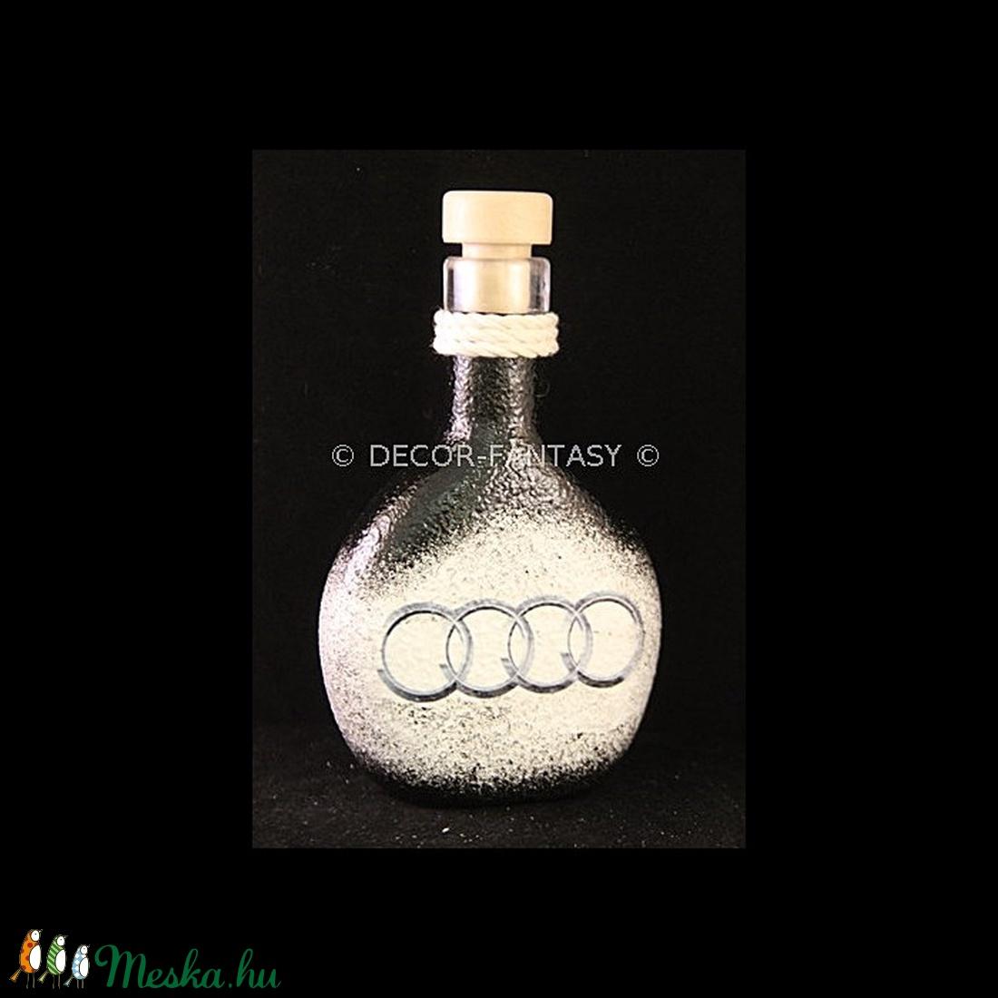 AUDI  emblémával díszített kis  pálinkás üveg ( 0,2 l )  (decorfantasy) - Meska.hu