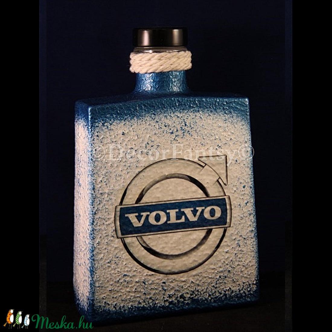 VOLVO emblémával díszített csavaros pálinkás üveg ( 0,5 l )  (decorfantasy) - Meska.hu