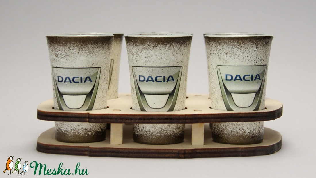 Dacia emblémával díszített pohár szett(6x45ml)ideális ajándék a márka szerelmeseinek - férjeknek -barátoknak  (decorfantasy) - Meska.hu