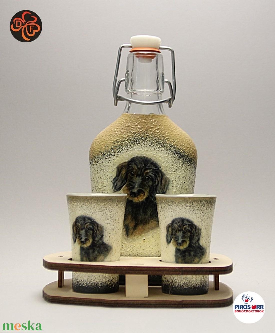 Kutya motívummal ( TACSKÓ ) díszített kis pálinkás készlet  ; Házi kedvenc rajongóknak ;Egyedi állat fotóval is ! (decorfantasy) - Meska.hu