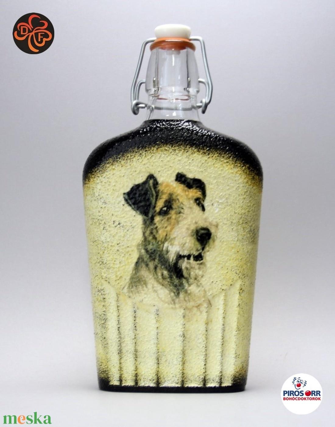 Kutya motívummal ( foxi) díszített pálinkás üveg  ; Házi kedvenc rajongóknak ;Egyedi állat fotóval is ! - Meska.hu
