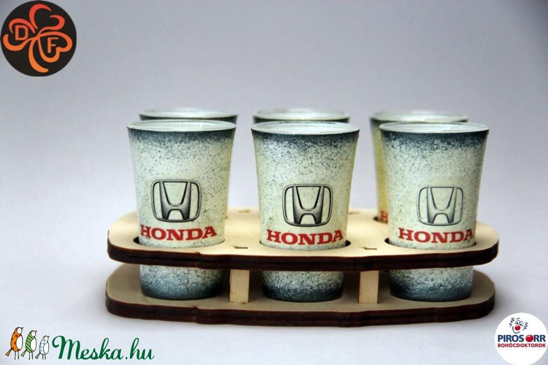 HONDA emblémával díszített pohár szett  ; A márka rajongóinak  ; A saját autód fotójával is elkészítjük ! (decorfantasy) - Meska.hu