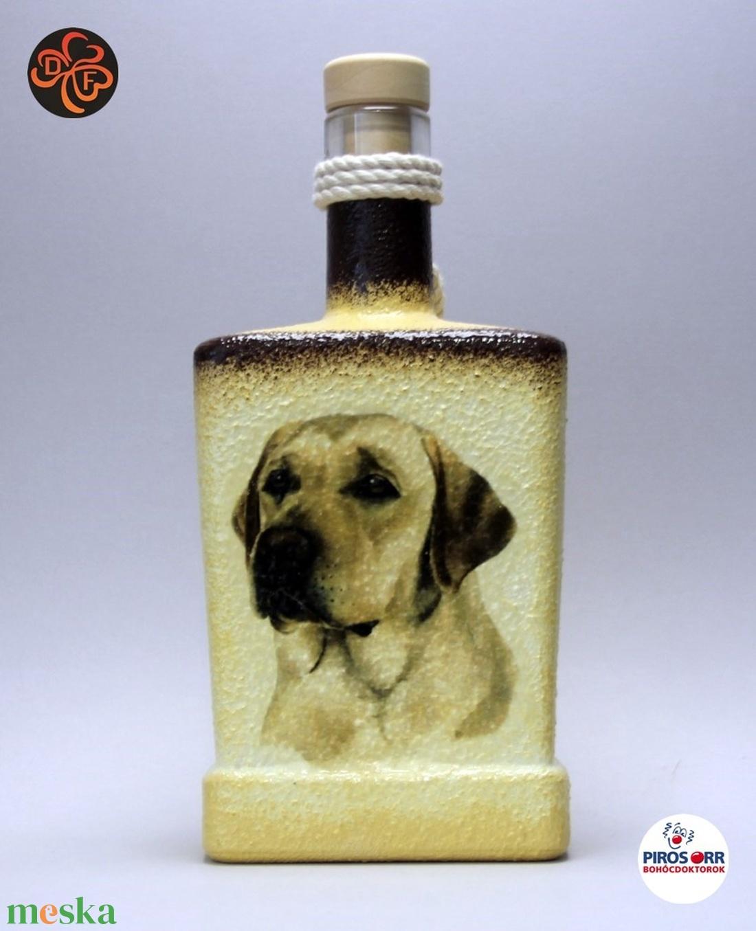 Kutya motívummal ( labrador) díszített pálinkás üveg  ; Házi kedvenc rajongóknak ;Egyedi állat fotóval is ! - Meska.hu
