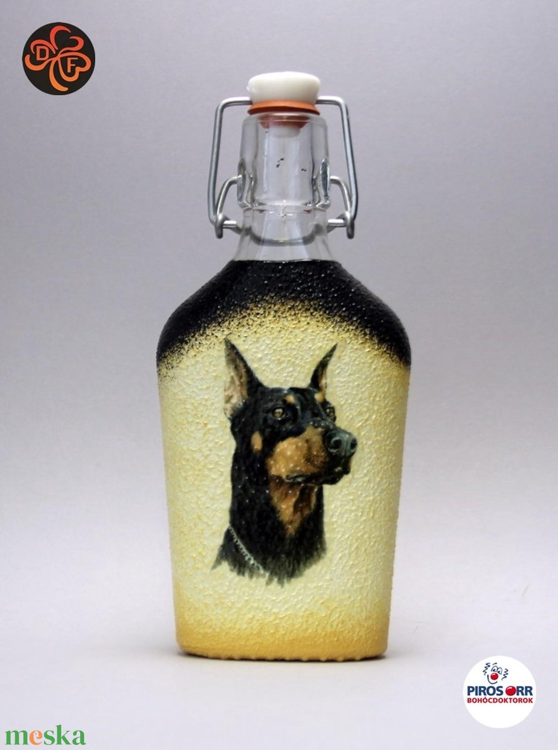 Kutya motívummal ( dobermann) díszített pálinkás üveg  ; Házi kedvenc rajongóknak ;Egyedi állat fotóval is ! - Meska.hu