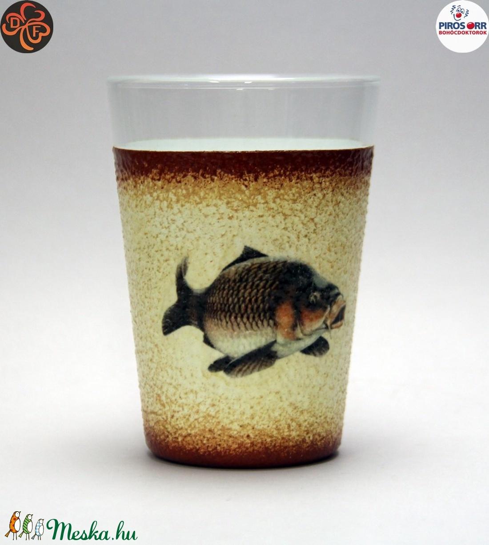 Horgász- ponty motívummal díszített -vizes pohár (0,3 l) . A horgászat szerelmeseinek . Saját fogások fotóival is ! - Meska.hu