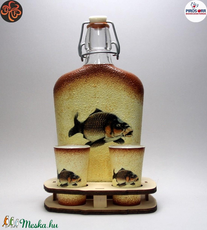 Horgász- ponty motívummal díszített -kis pálinkás szett. A horgászat szerelmeseinek . Saját fogások fotóival is ! (decorfantasy) - Meska.hu