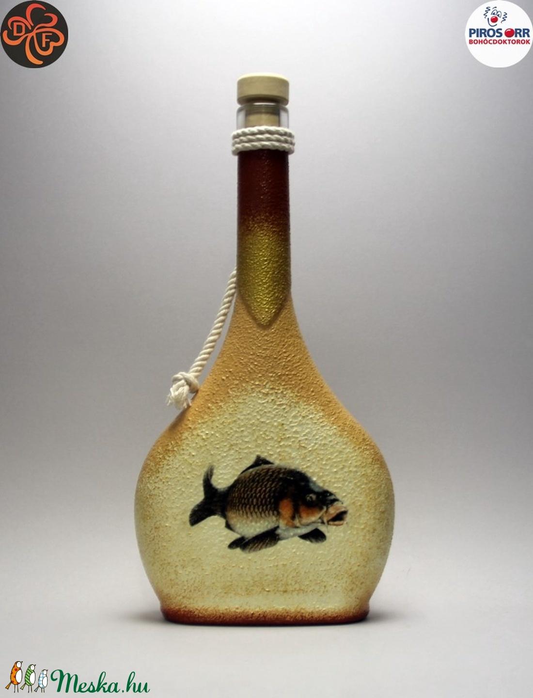 Horgász- ponty motívummal díszített -pálinkás üveg . A horgászat szerelmeseinek . Saját fogások fotóival is ! (decorfantasy) - Meska.hu