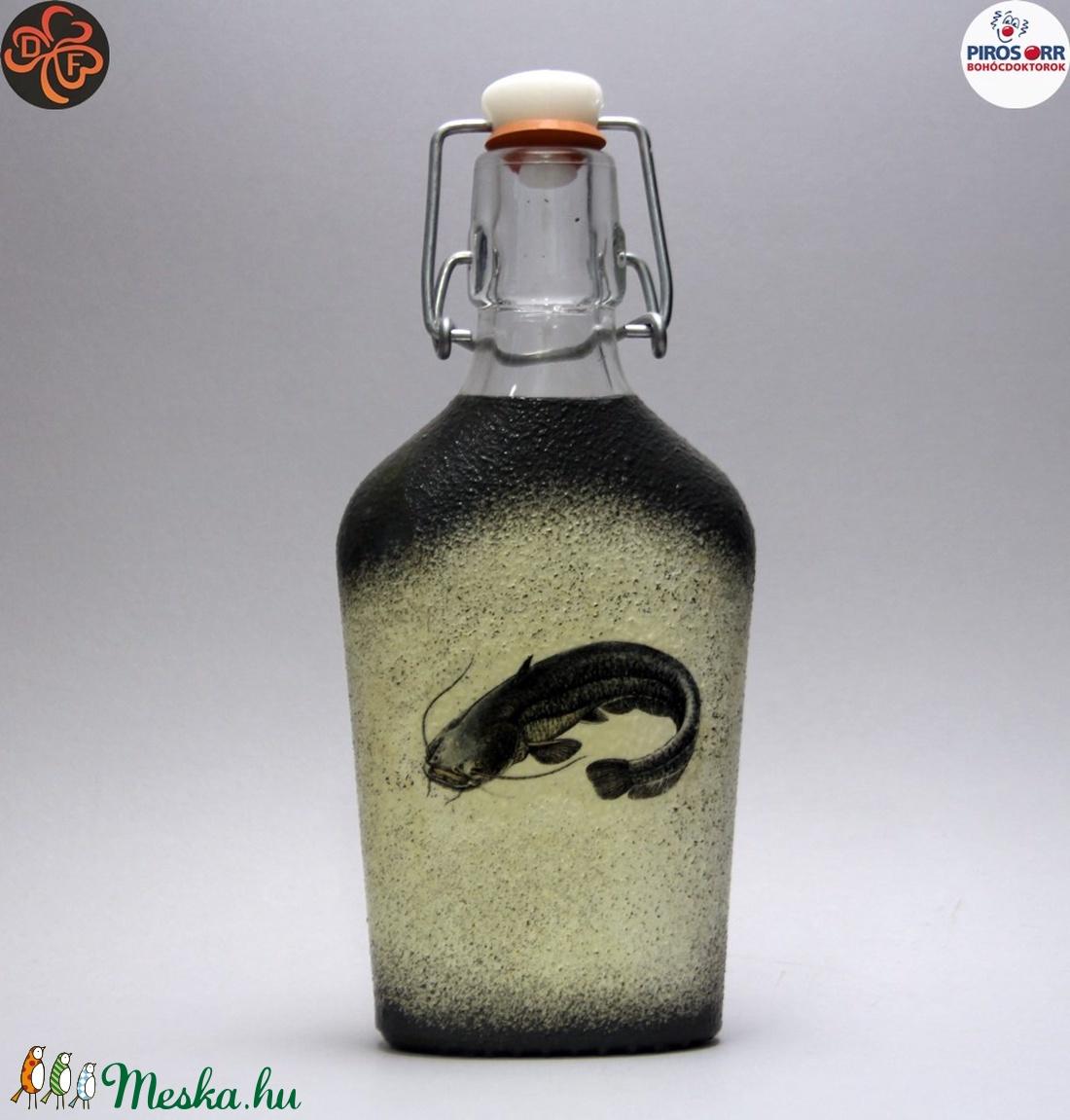 Horgász- harcsa motívummal díszített -pálinkás üveg . A horgászat szerelmeseinek . Saját fogások fotóival is ! (decorfantasy) - Meska.hu