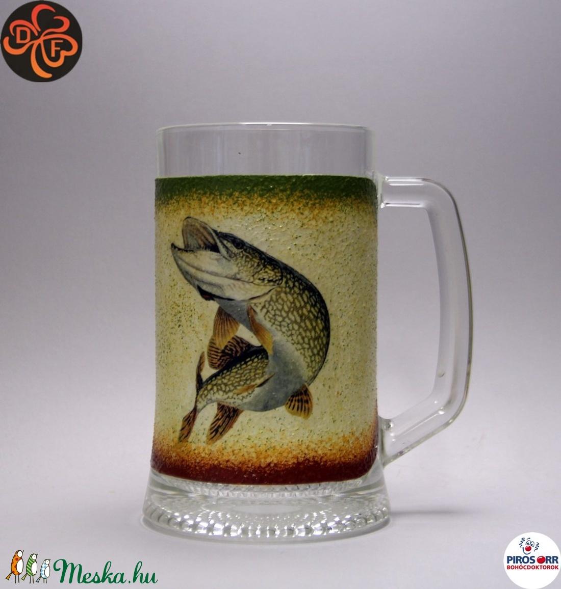 Horgász- csuka motívummal díszített -sörös korsó . A horgászat szerelmeseinek . Saját fogások fotóival is ! (decorfantasy) - Meska.hu
