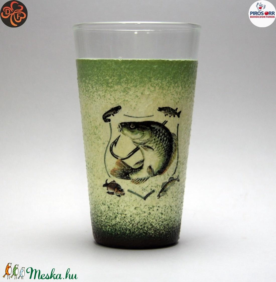 Horgász- hal motívummal díszített -vizes pohár (0,3 l) . A horgászat szerelmeseinek . Saját fogások fotóival is ! - Meska.hu
