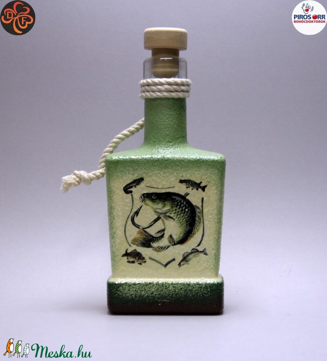 Horgász- hal motívummal díszített -pálinkás üveg . A horgászat szerelmeseinek . Saját fogások fotóival is ! (decorfantasy) - Meska.hu