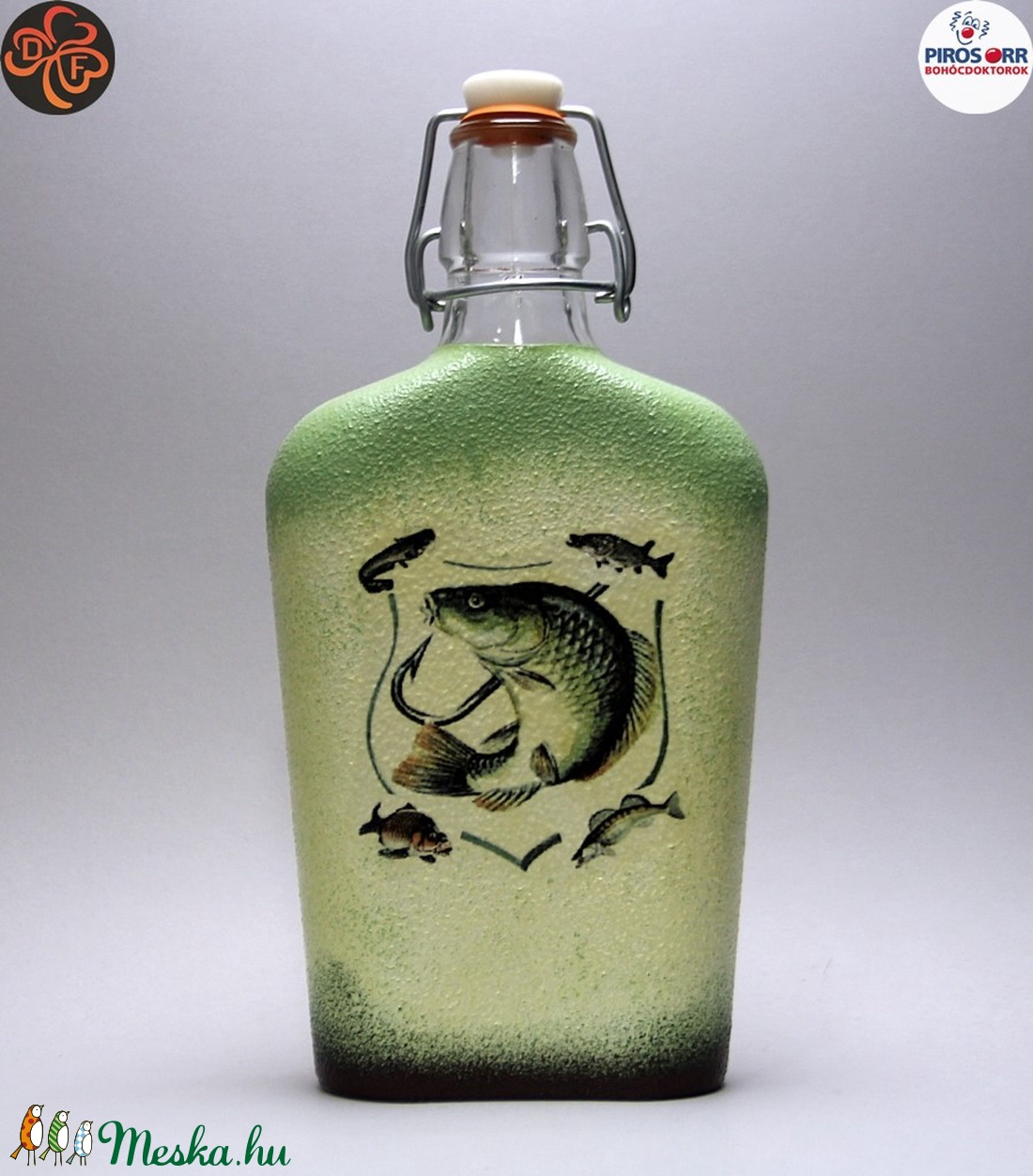 Horgász-  hal motívummal díszített -pálinkás üveg . A horgászat szerelmeseinek . Saját fogások fotóival is ! - Meska.hu