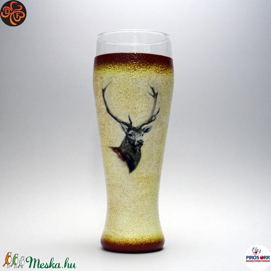 Vadász - szarvas képpel - sörös pohár ; A vadászat szerelmeseinek  - Meska.hu