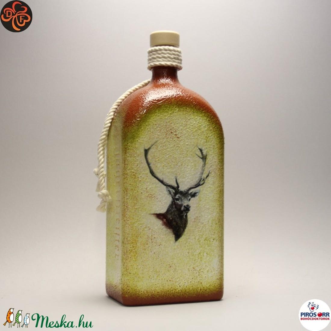 Vadász - szarvas képpel - pálinkás üveg ; A vadászat szerelmeseinek  - Meska.hu
