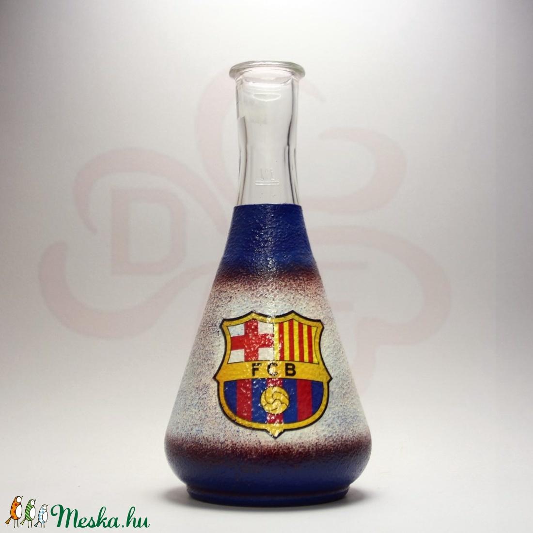 FC Barcelona emblémával díszített borkiöntő ; Barcelona futball szurkolóknak - Meska.hu