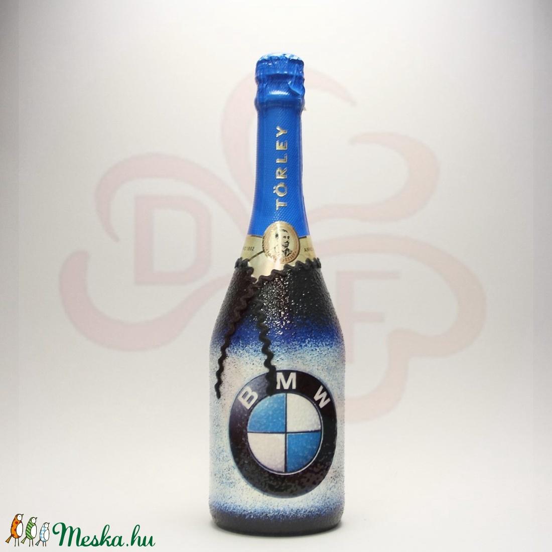 BMW logós pezsgő ; BMW rajongóknak - Meska.hu