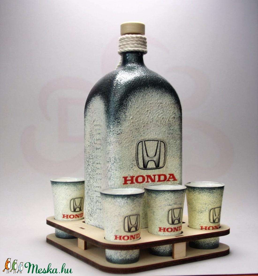 HONDA pálinka tartó szett ; Saját Honda autód fotójával is elkészítjük ! - otthon & lakás - dekoráció - díszüveg - Meska.hu