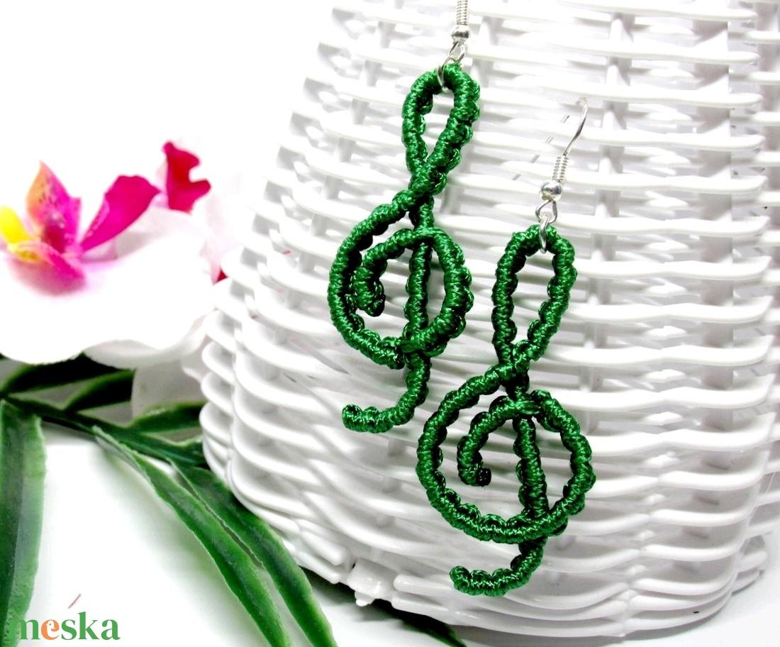 Violinkulcs fülbevaló - smaragdzöld - ékszer - fülbevaló - lógó fülbevaló - Meska.hu