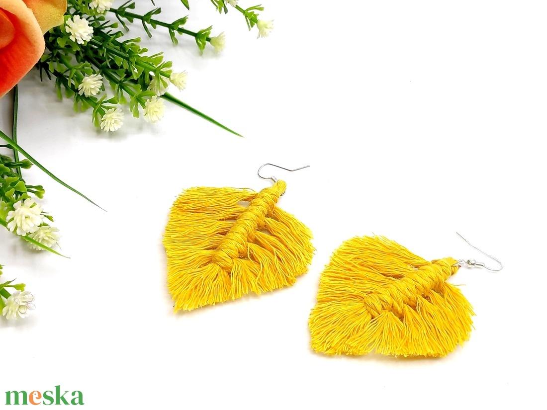 Makramé levél fülbevaló - sárga - ékszer - fülbevaló - lógó fülbevaló - Meska.hu