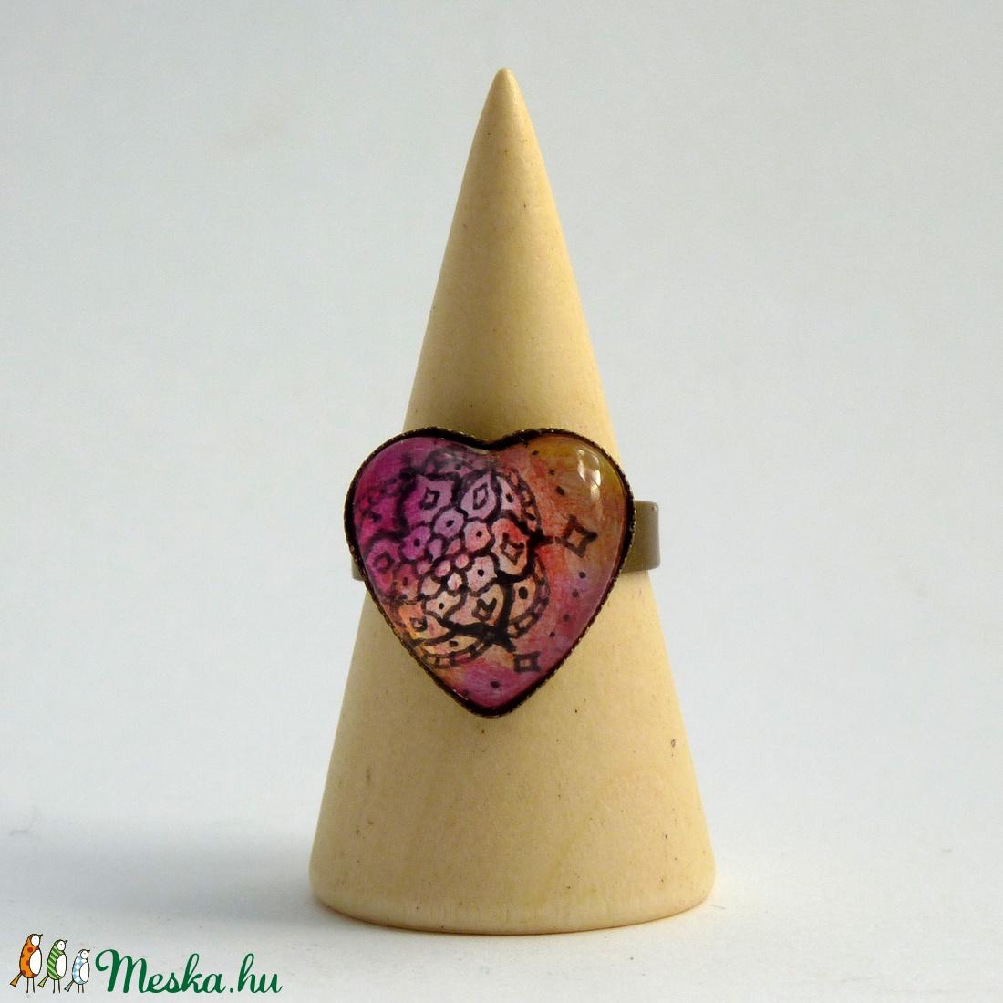 Szív alakú gyűrű - rózsaszín mandala virág (DorczyArt) - Meska.hu