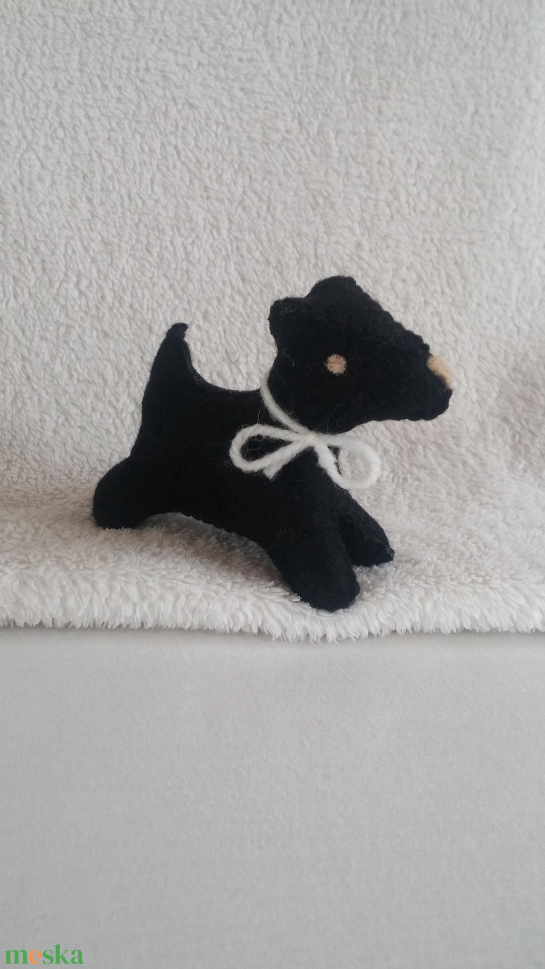 Filc foxi kutya fekete - játék & gyerek - plüssállat & játékfigura - Meska.hu