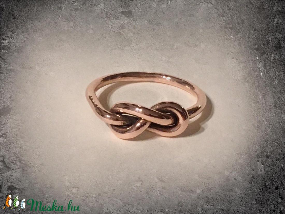 Végtelen csomós gyűrű - vörösréz - ékszer - gyűrű - Meska.hu