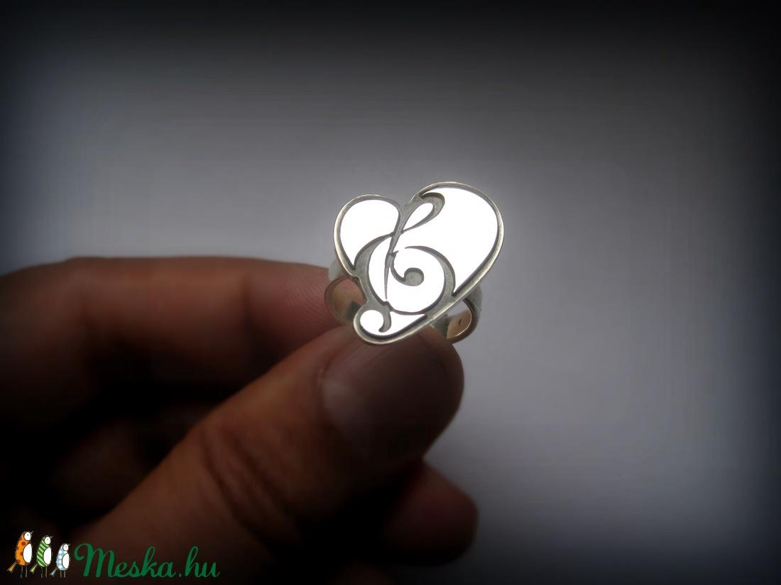 Violin kulcs gyűrű (egszeresz) - Meska.hu