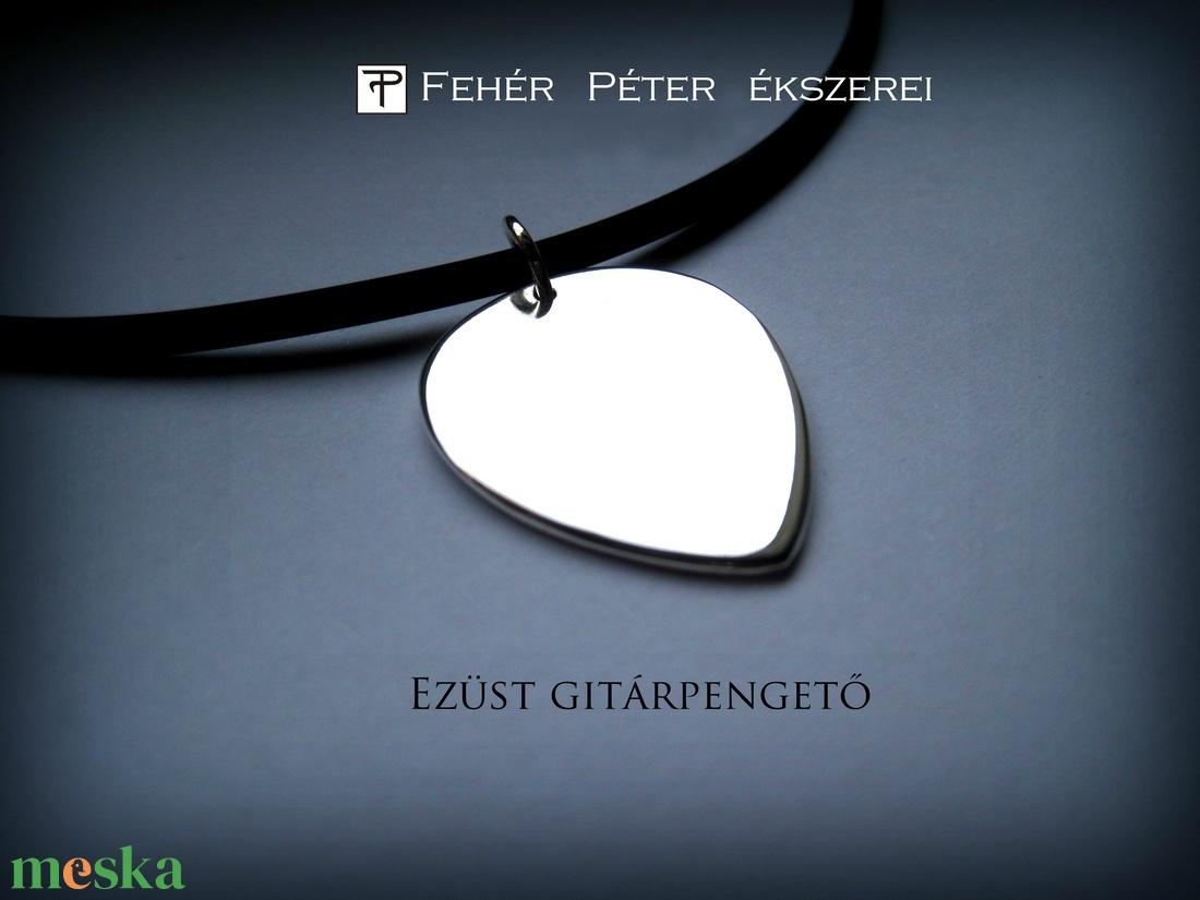 ISMÉT! Ezüst gitárpengető (egszeresz) - Meska.hu