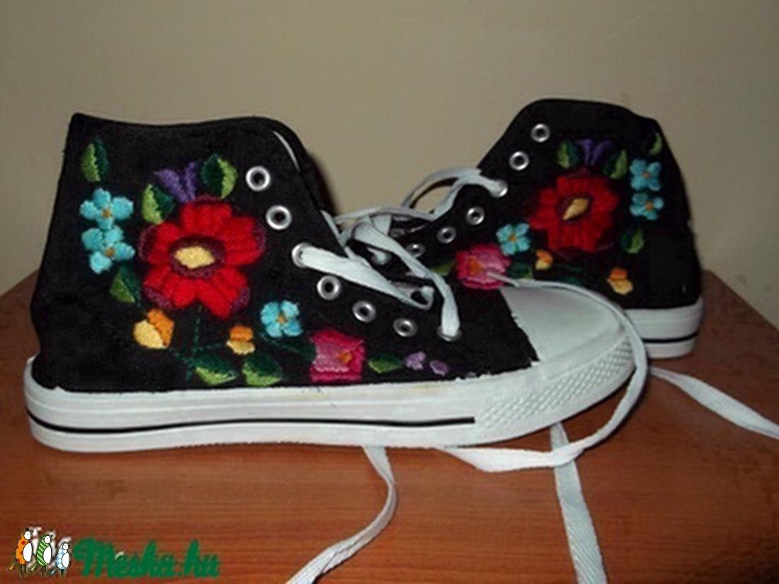 hímzett cipő (emese1978) - Meska.hu 2607acec3a