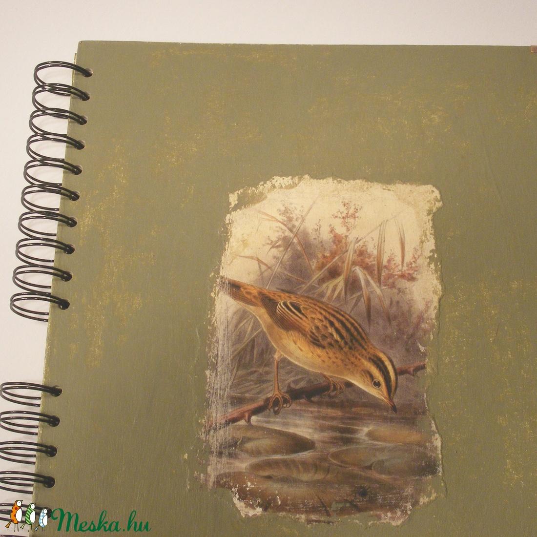 Madaras A4 spirálfüzet koptatott festésű borítóval, spirálozott jegyzetfüzet kismadárral, antikolt festésű sima lapok - otthon & lakás - papír írószer - jegyzetfüzet & napló - Meska.hu