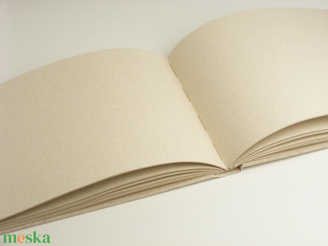 Fekvő formájú fotóalbum natúr vászon borítóval. Kézzel fűzött, natúr színű belső lapok - otthon & lakás - papír írószer - album & fotóalbum - Meska.hu