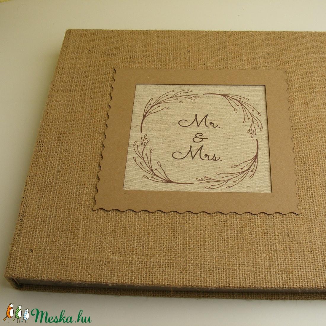 Fotóalbum esküvőre, nászajándék, zsákvászon album az ifjú párnak, nagyméretű fényképalbum koszorúban egyedi felirattal - esküvő - emlék & ajándék - album & fotóalbum - Meska.hu