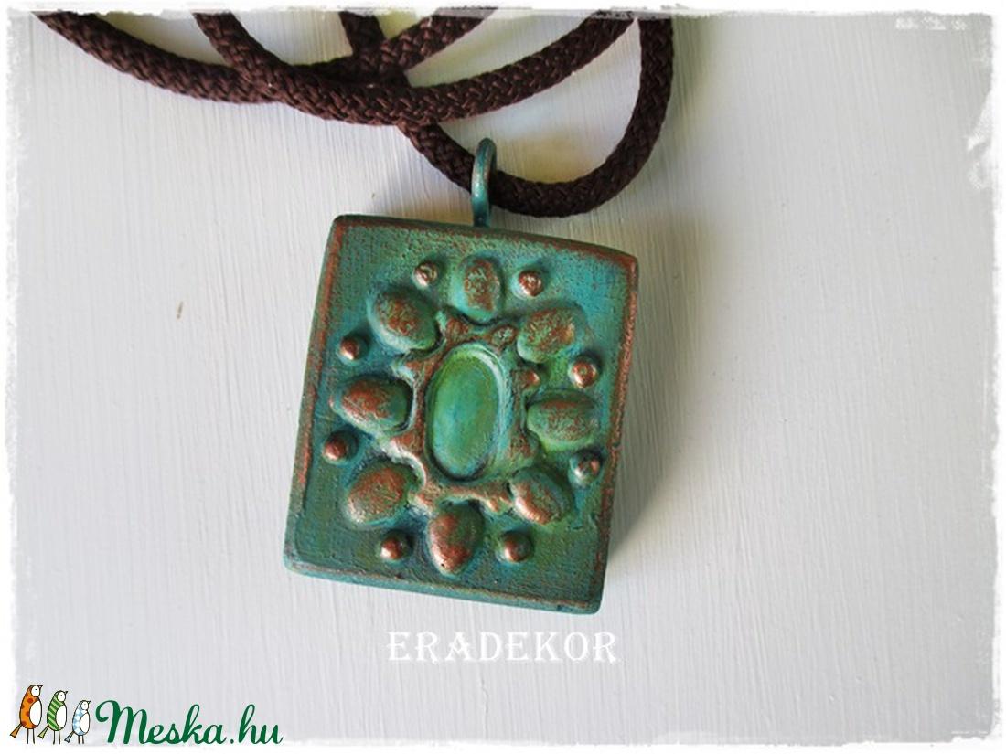 Türkiz zöld mánia - ékszer - nyaklánc - medálos nyaklánc - Meska.hu