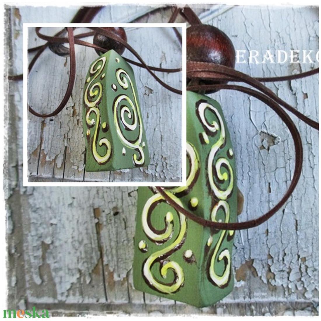 4 oldalas zöld vintage nyaklánc - ékszer - nyaklánc - medálos nyaklánc - Meska.hu