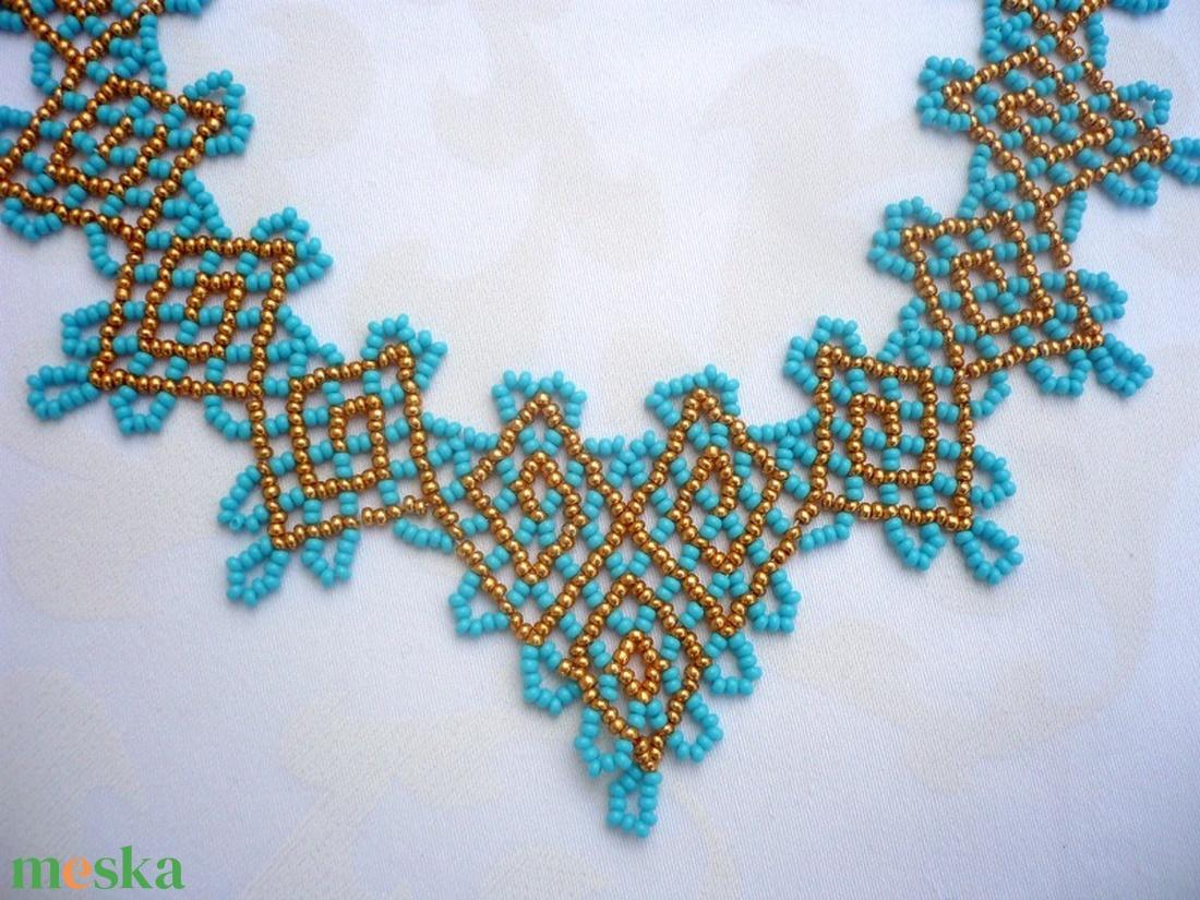 Türkiz-arany görög nyaklánc-fülbevaló szett, gyöngygallér, gyöngynyaklánc, gyöngynyakék - ékszer - ékszerszett - Meska.hu